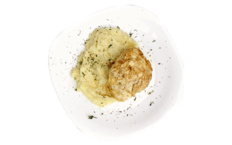 Куриный шницель в сыре с картофельным пюре