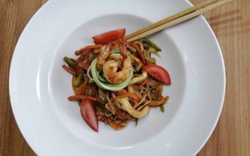 Сифудо с рисовой лапшой