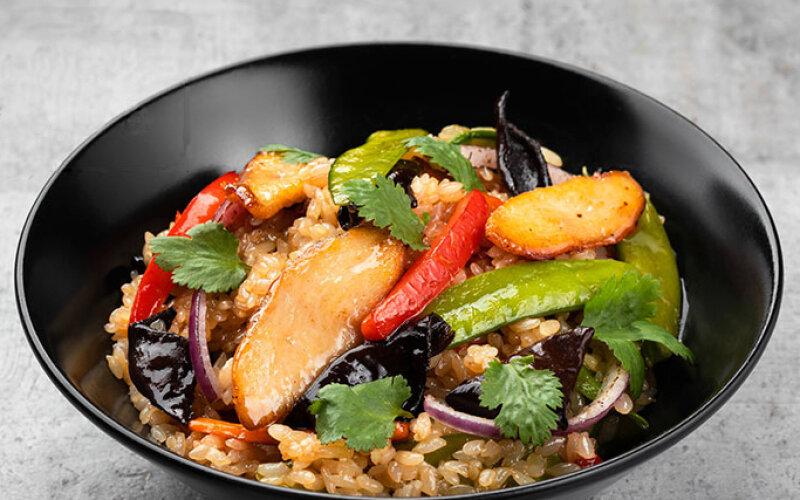 Бифу Яки с китайским рисом