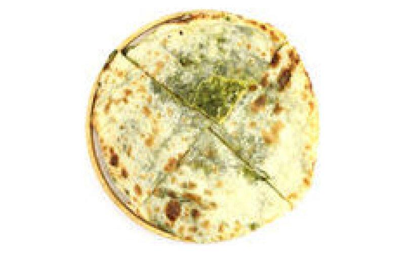 Пшеничная лепёшка Naan с сыром и шпинатом