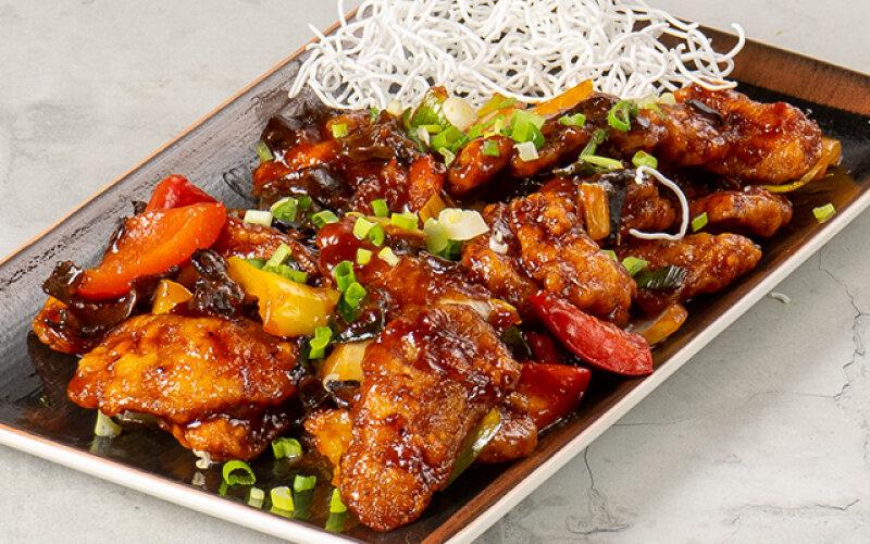 Хрустящее филе морского окуня с чёрными китайскими грибами «По-шанхайски»