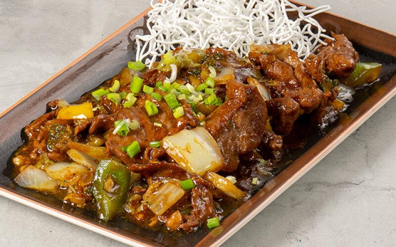 Филе говядины с овощами в китайском соусе «Мастер» с анисом и имбирем