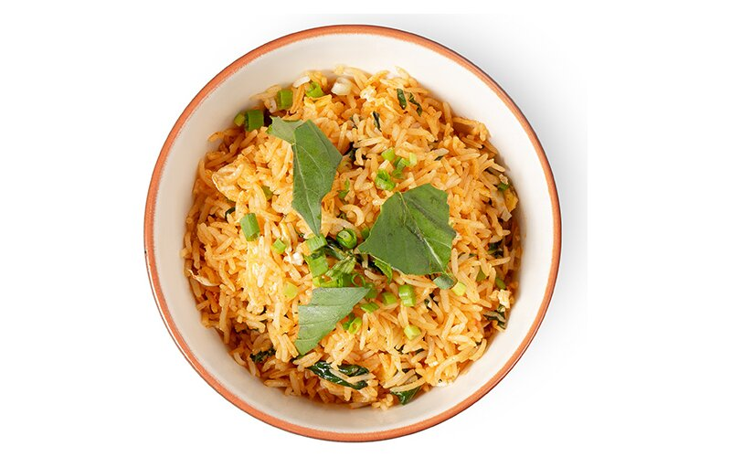 Острый рис «По-тайски» с базиликом и яйцом