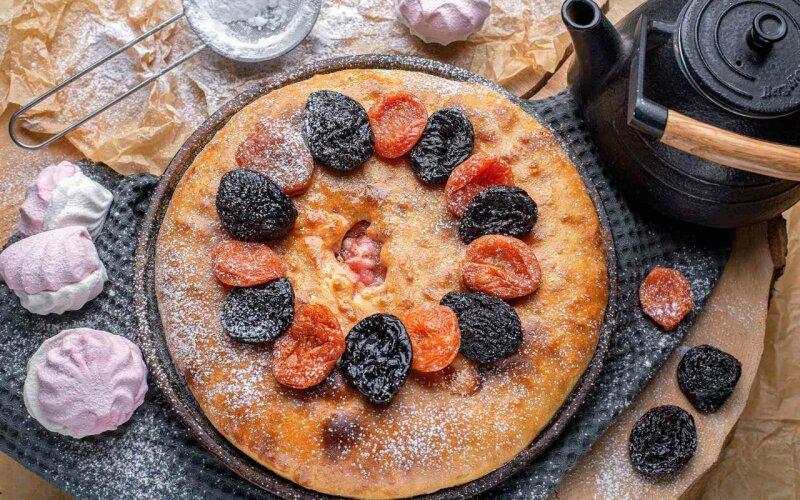 Пирог с зефиром и сухофруктами