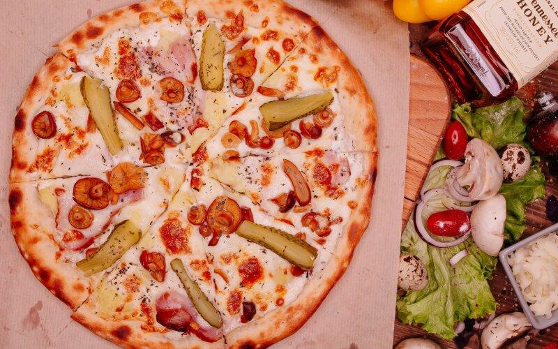 Пицца «Опята и бекон»