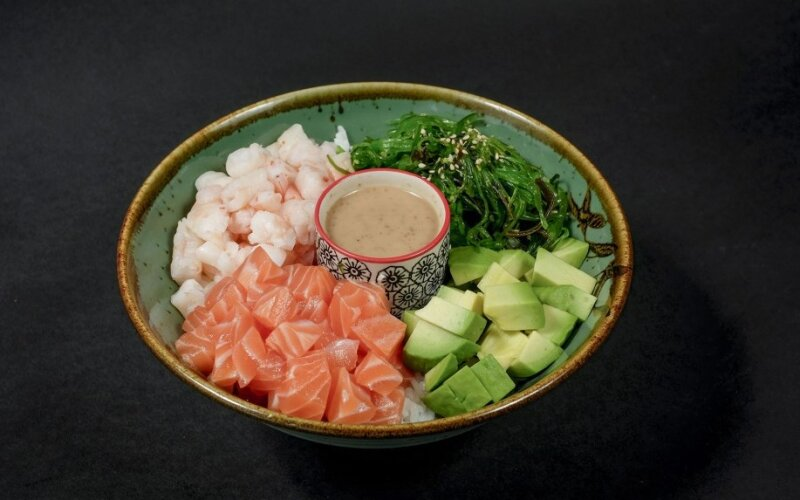 Поке с креветкой и лососем