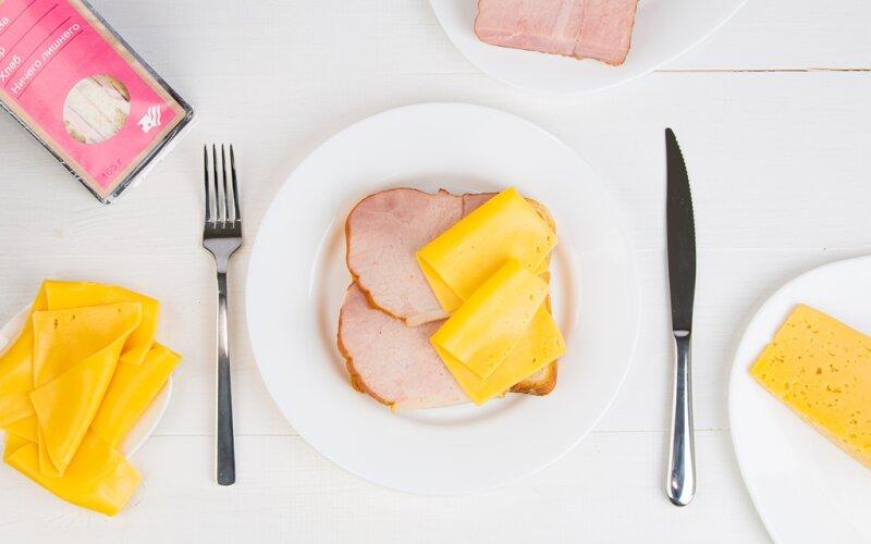 Сандвич с ветчиной и сыром