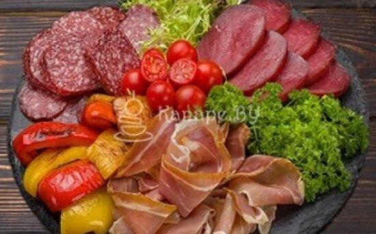 Говядина, салями, пармская ветчина