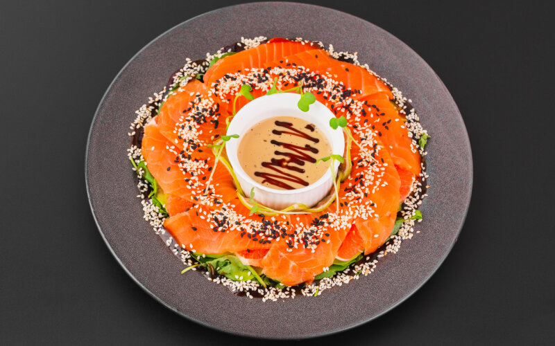 Салат «С лососем и грейпфрутом»