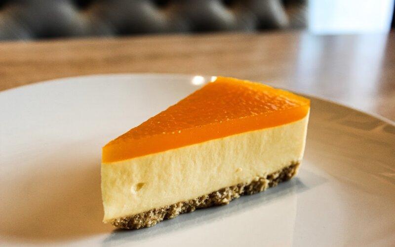 Торт «Манго-маракуйя»
