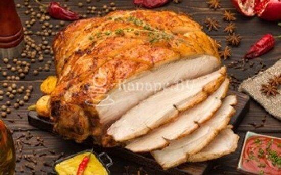 Окорок свиной запечённый по-домашнему