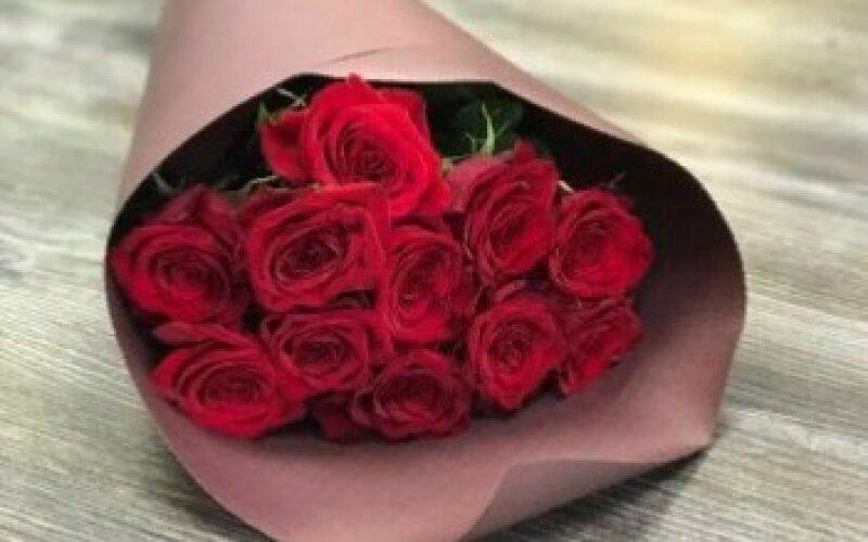 Букет 11 роз «Люблю»