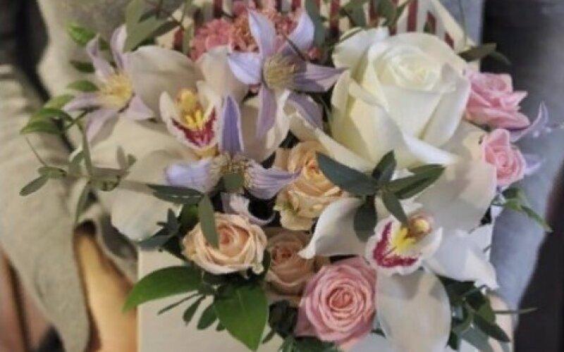 Конверт «Светлый» с цветами