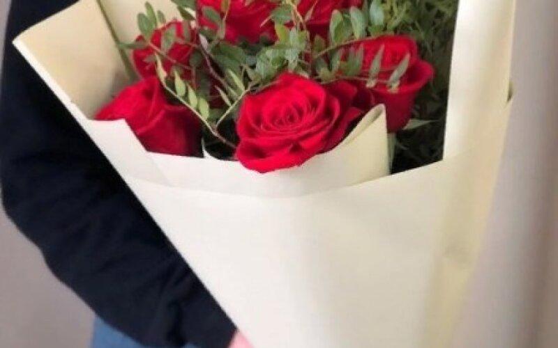 Букет 5 роз «Классик»