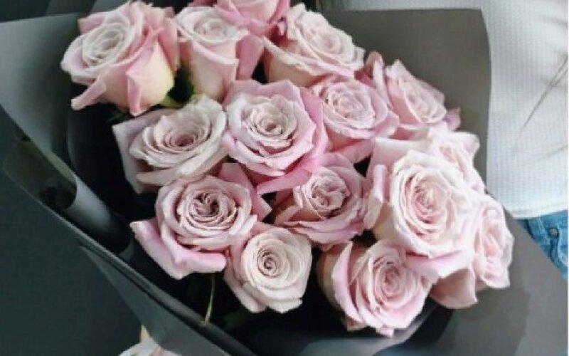 Букет из 15 нежных роз Sweet