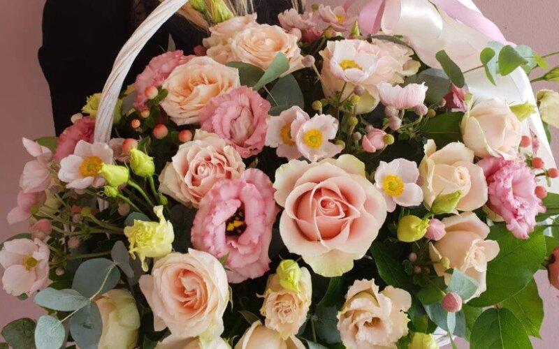 Корзина цветов «Восторг»