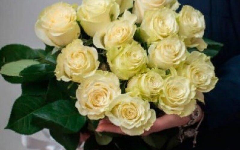 Букет из 15 роз «Мондиаль»