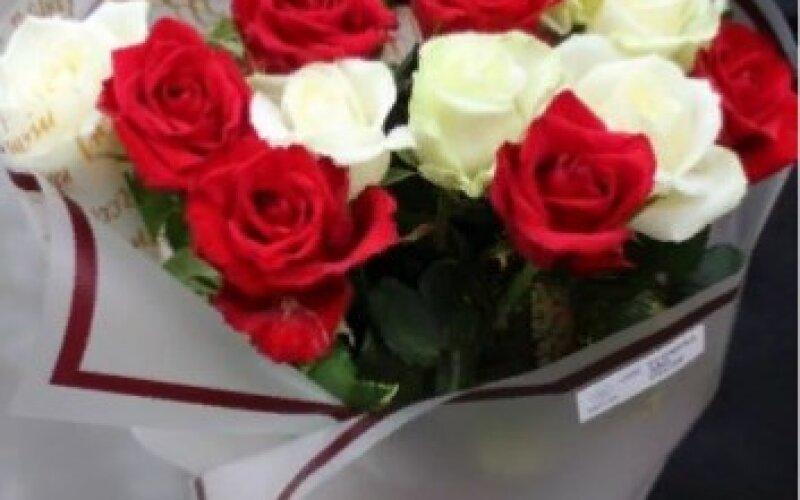 Букет «Дуэт» из 15 роз