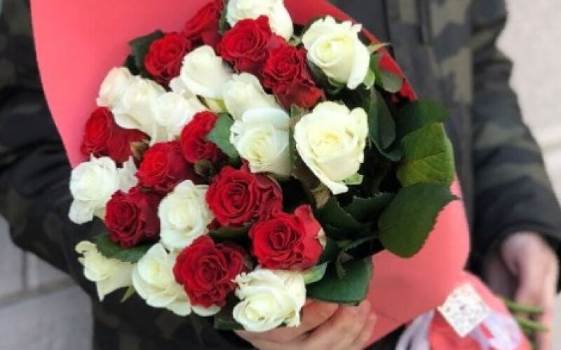 Букет «Дуэт» из 25 роз