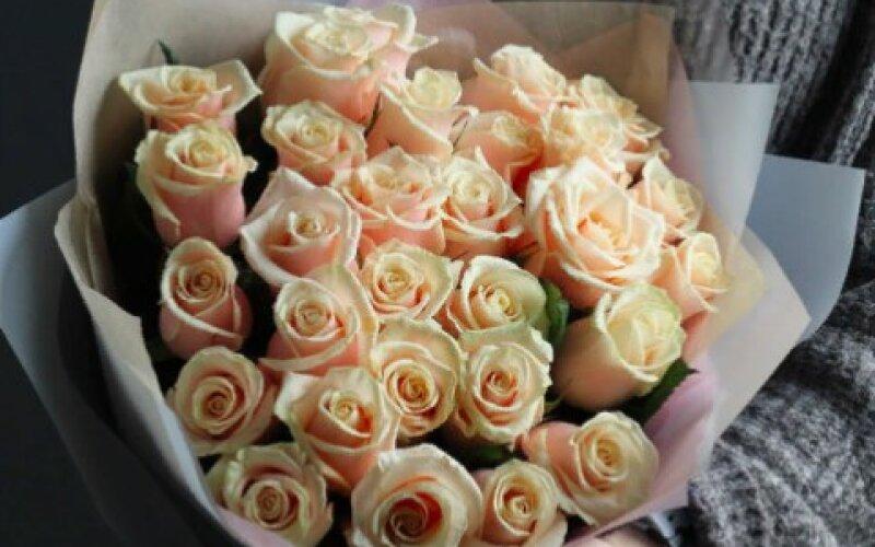 Букет «Талея» Из 25 роз