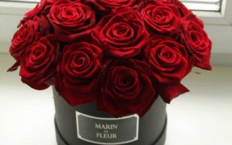 Коробка FLEUR из 15 роз