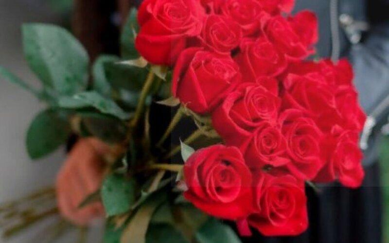 Букет «Классика» из 15 роз
