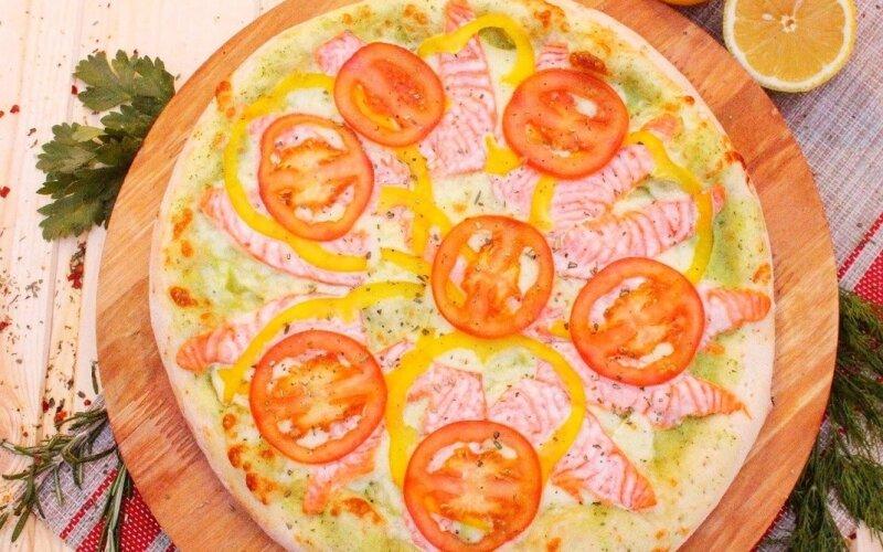 Пицца «Нежный лосось»