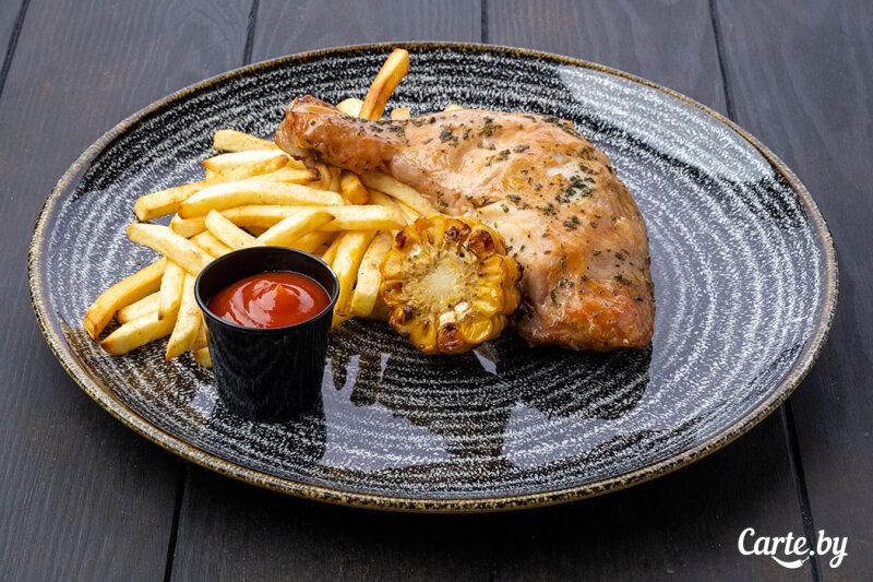 Окорочок куриный с картофелемфри