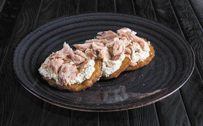 Драники с копчёным лососем