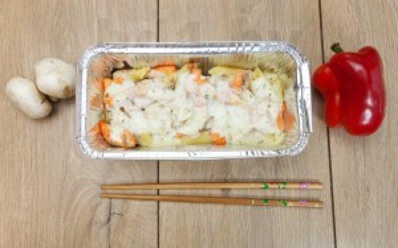 Паста «Из печи» с лососем