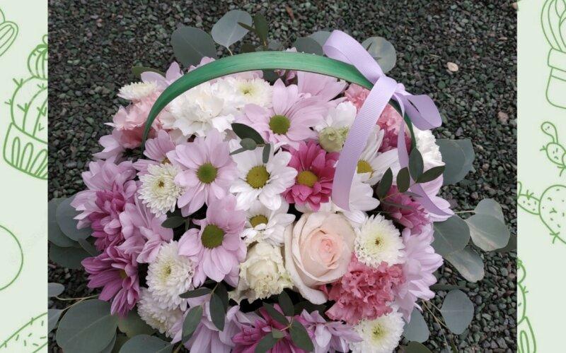 Корзина с цветами «Ромашки»