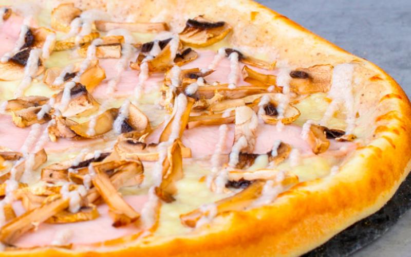 Пицца «Грибная с ветчиной»