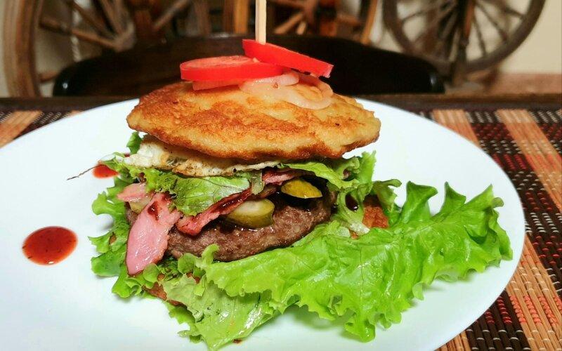 Дранбургер, с говядиной и беконом