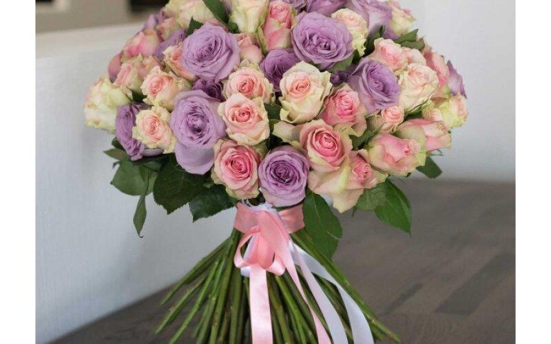 Букет из 51 розы «Пур-Пур»