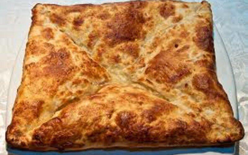 Хачапури с говядиной и сыром
