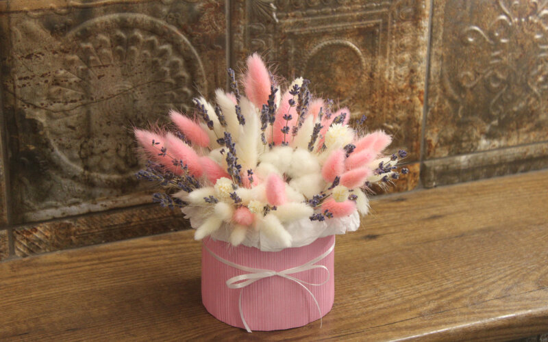 Сухоцветы в шляпной коробке (диаметр 10см)