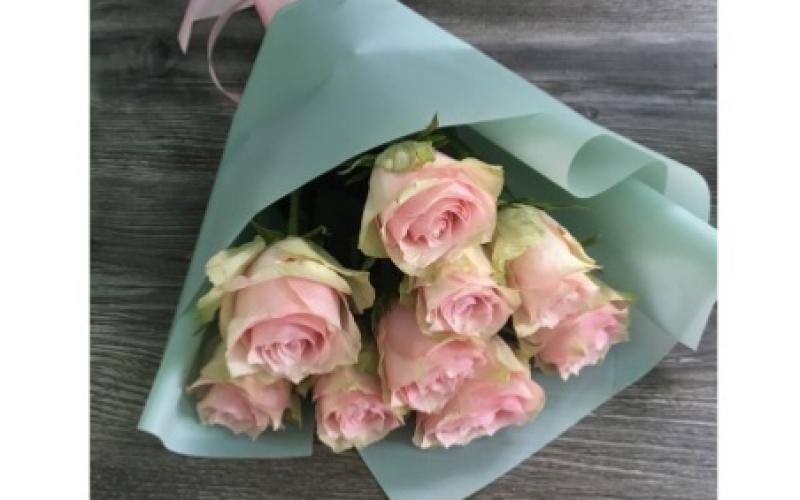 Букет Из 9 Роз «Нежный»