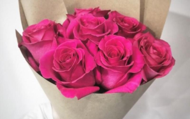 Букет 7 Роз «Пинк Флоид»
