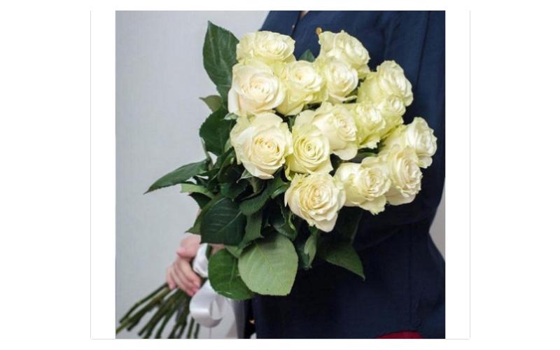 Букет 11 Длинных Роз