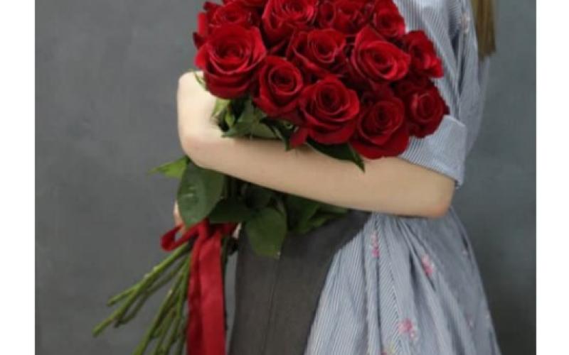 Букет 15 Длинных Красных Роз