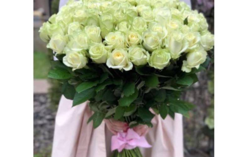 Букет Белых Роз «Мондиаль»