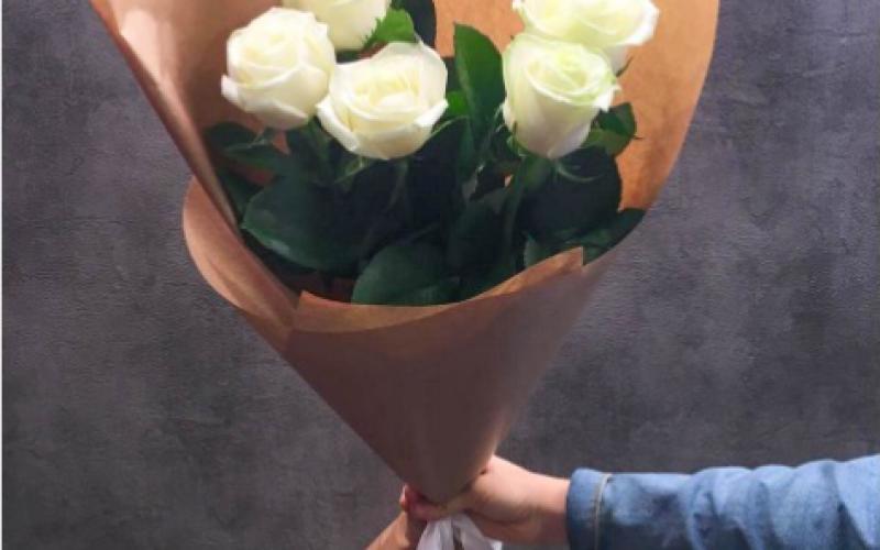 Букет Из 5 Роз «Мондиаль»