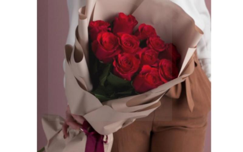 Букет из 11 Роз «Люблю»
