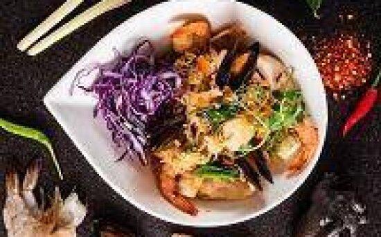 Лапша «Пад-Кхи Мао» с морепродуктами