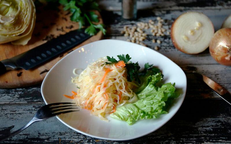 Салат из капусты «Витаминный»