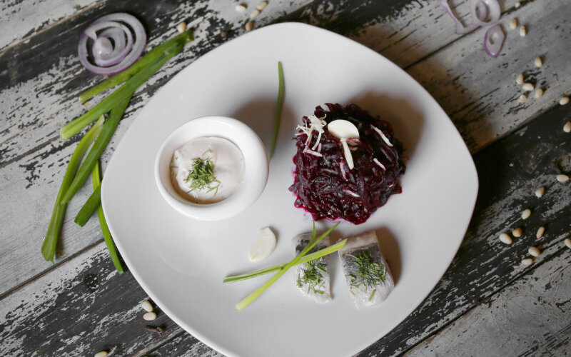 Салат из отварной свёклы