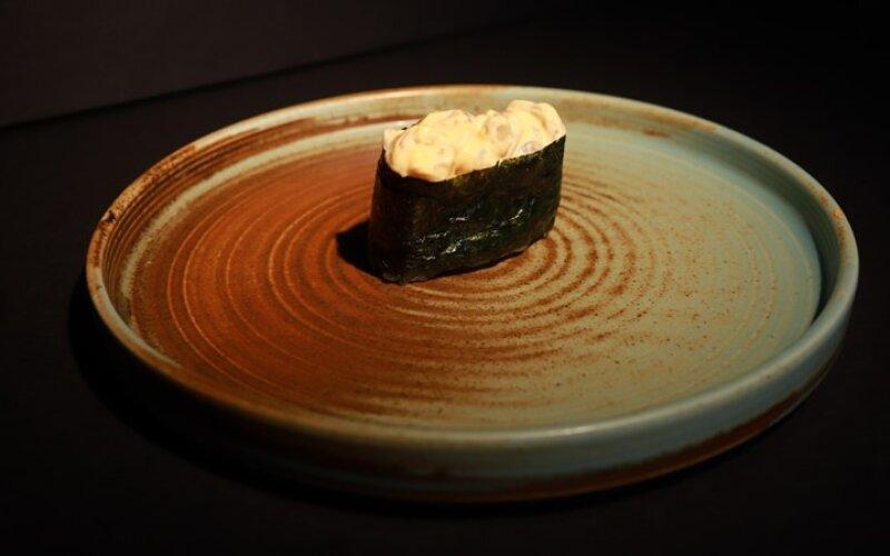 Острые суши с креветкой