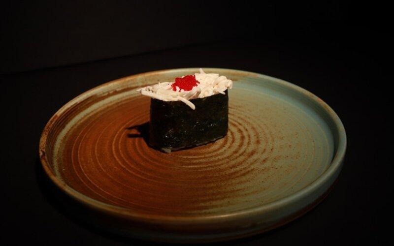 Суши с крабом
