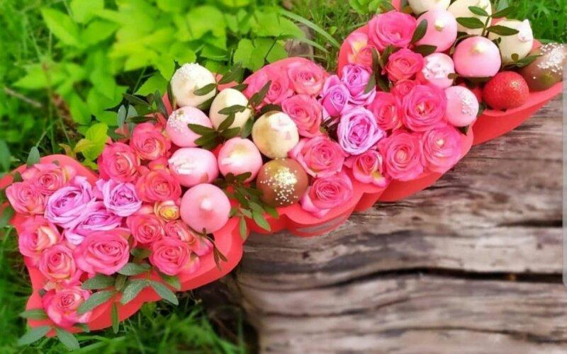 Ягодно-цветочная композиция «Мама»