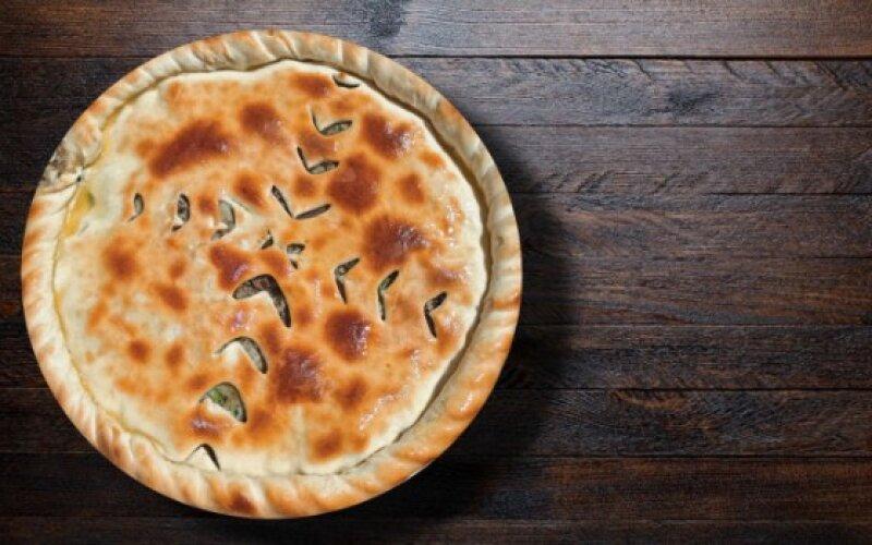 Пирог с говядиной и зеленью